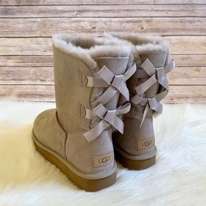 UGG Bailey Bow II Boots In Oyster